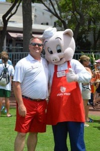 Commodore Dan Thompson is Big on the Pig.