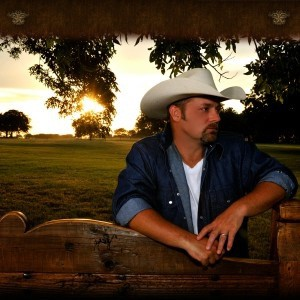 Hottest singer you've probably never heard of but will be charming the crowd with his country roots on Saturday night: Chris Cagle