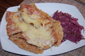 Cordon Bleu Schnitzel with red cabbage side