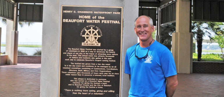 Transplanted Buckeye rounds out his year as the Beaufort Water Festival Commodore