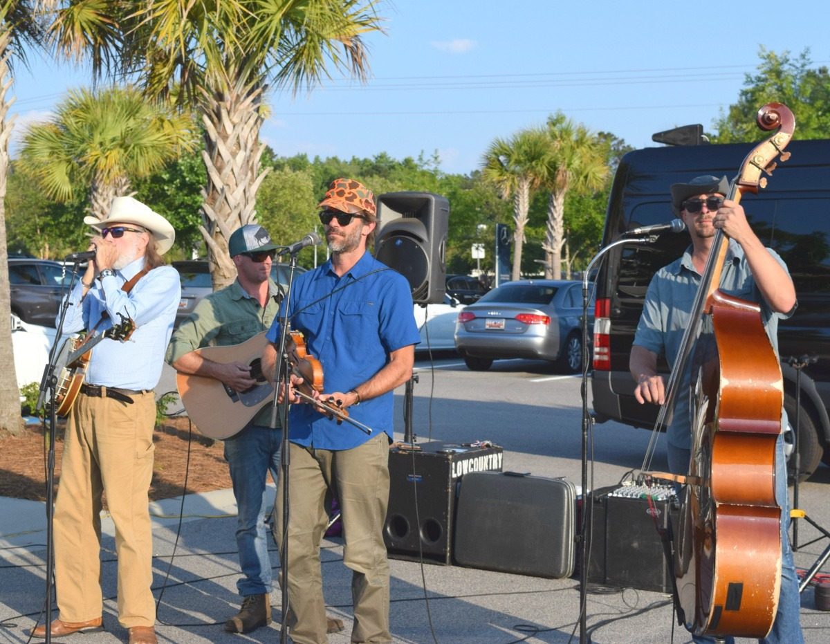 Low Country Boil Band entertained golfers weary from the day's tournament.