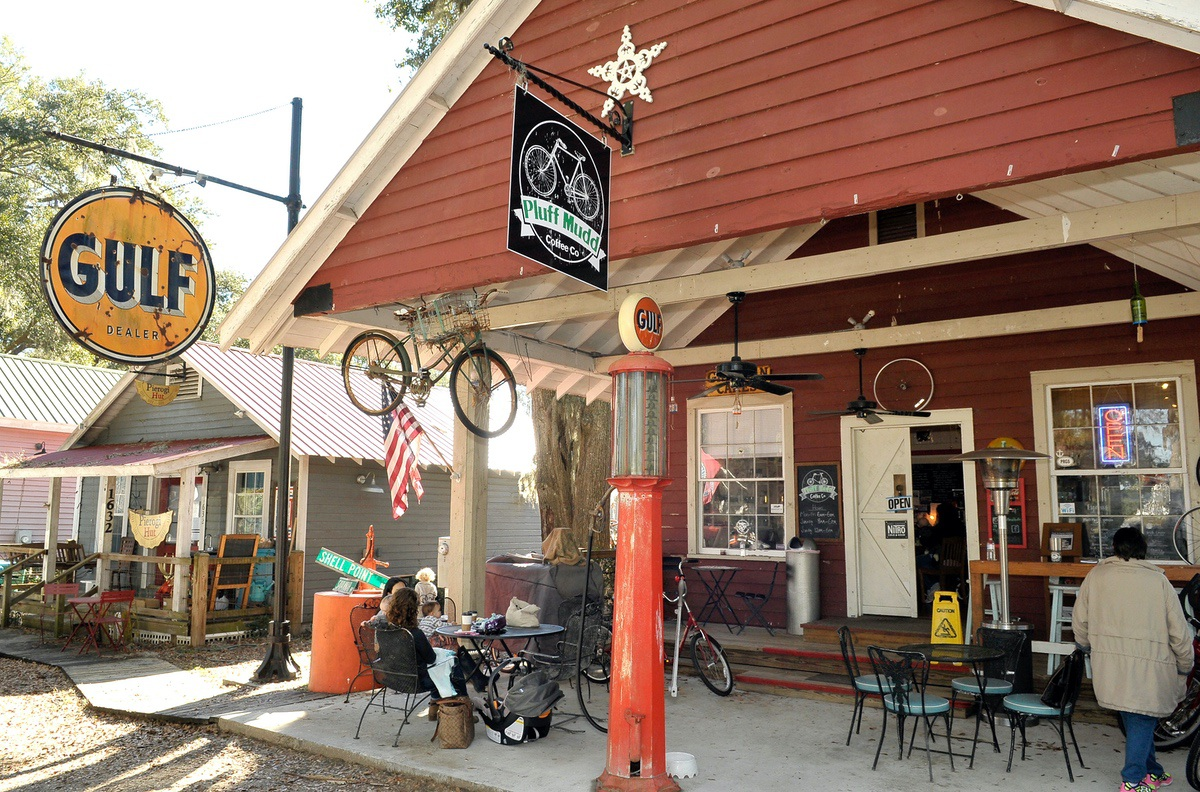 Pluff Mudd Coffee Company, a family friendly coffee shop in Port Royal, has an eclectic façade.