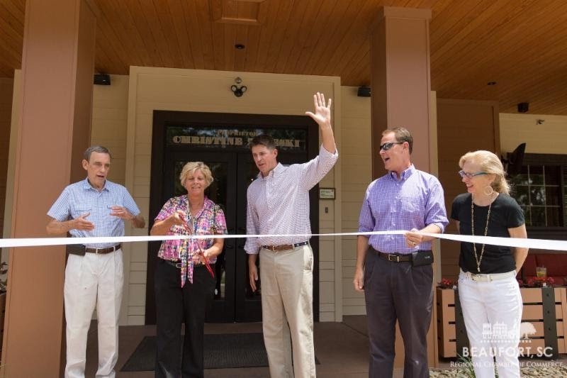 Outback Steakhouse celebrated its recent exterior renovations with a ribbon cutting ceremony on July 5. Photo provided.