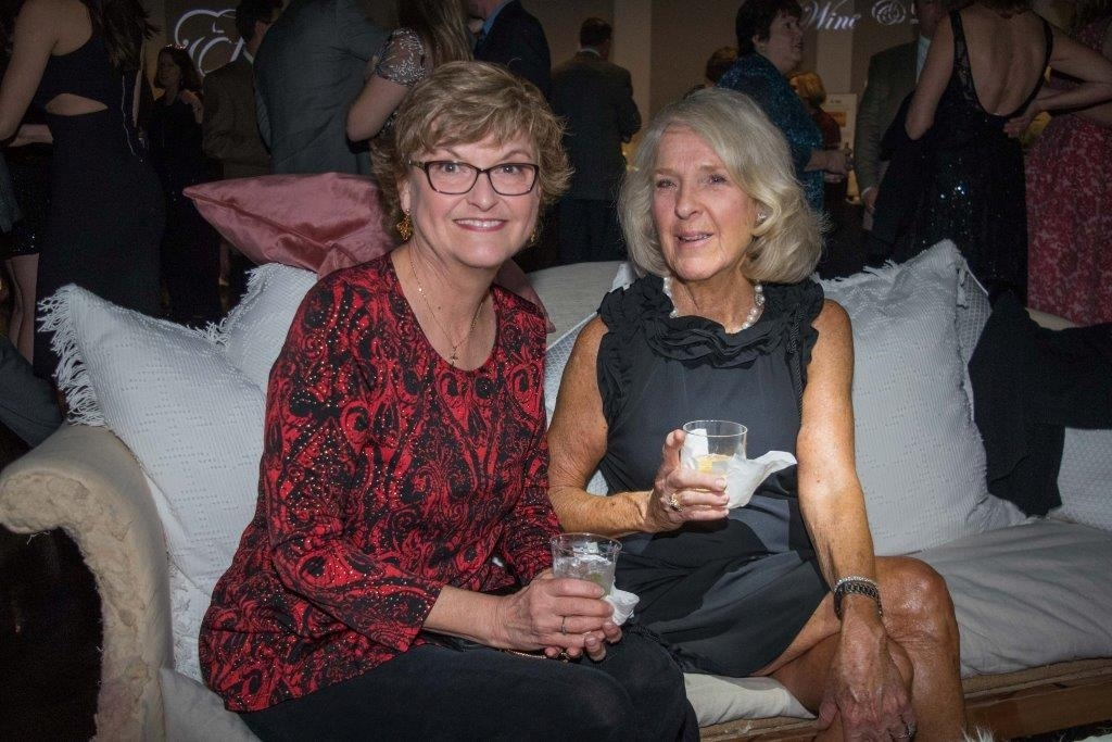Susan Clark and Betty Helig